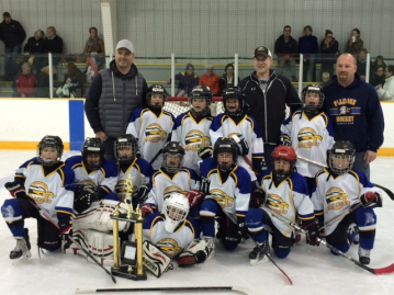 VV 8A1 Hockey Team Wins RobWest Tournament